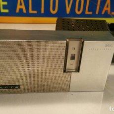 Radios antiguas: RADIO TRANSISTOR ESPAÑOL LAVIS 200 CON FUNDA Y FUNCIONANDO. Lote 104252511