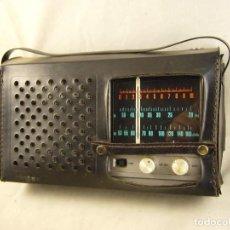Radios antiguas: RADIO TRANSISTOR INTER E-158.OM Y OC CON FUNDA SIN PROBAR. Lote 104269587