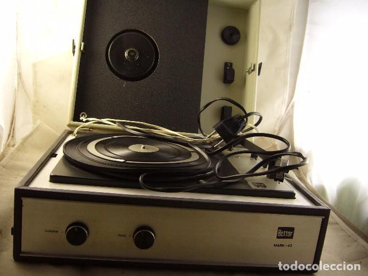 TOCADISCOS DE MALETA BETTOR MARK 62 PROBADO (Radios, Gramófonos, Grabadoras y Otros - Transistores, Pick-ups y Otros)