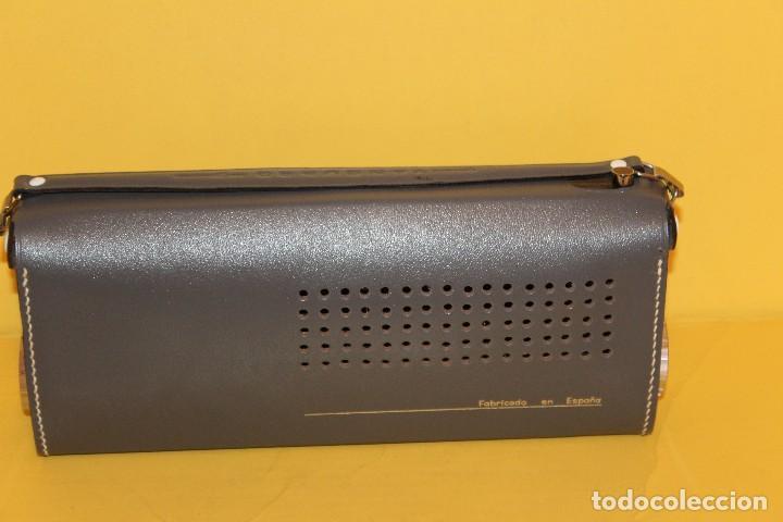 Radios antiguas: ANTIGUA RADIO TRANSISTOR VANGUARD - SUPER JET - AÑOS 60 NUEVA EN SU CAJA - Foto 12 - 105798939