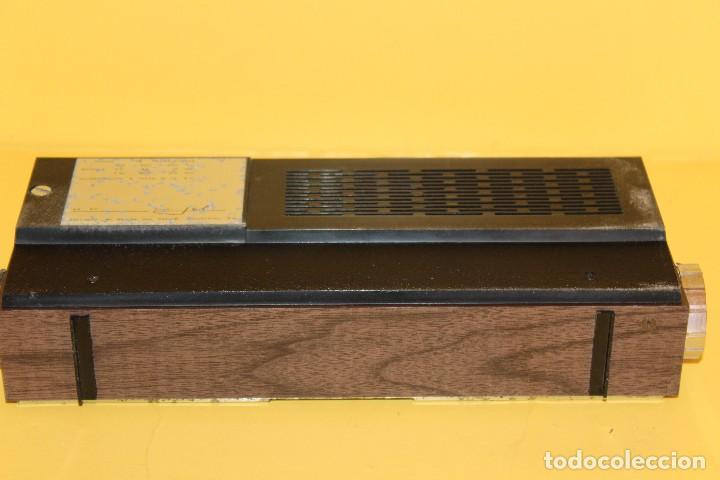 Radios antiguas: ANTIGUA RADIO TRANSISTOR VANGUARD - SUPER JET - AÑOS 60 NUEVA EN SU CAJA - Foto 18 - 105798939