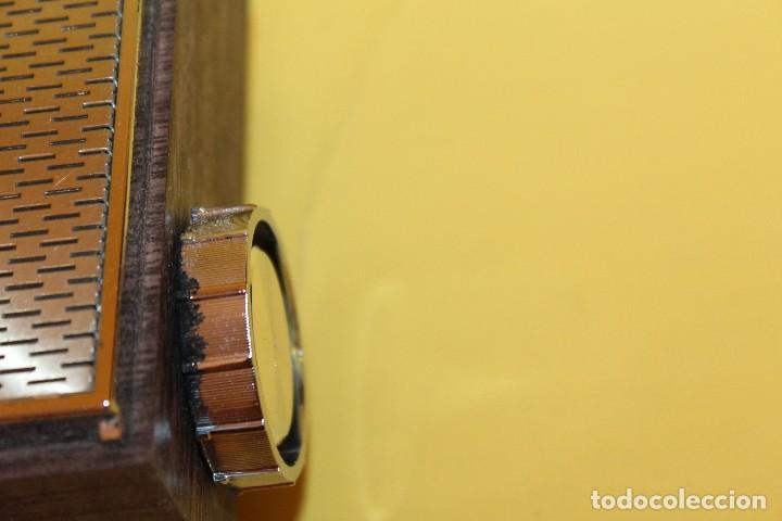 Radios antiguas: ANTIGUA RADIO TRANSISTOR VANGUARD - SUPER JET - AÑOS 60 NUEVA EN SU CAJA - Foto 24 - 105798939