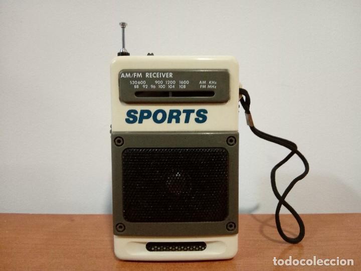 90-RADIO TRANSISTOR DE MANO SPORTS (Radios, Gramófonos, Grabadoras y Otros - Transistores, Pick-ups y Otros)