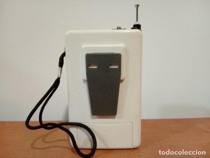 Radios antiguas: 90-Radio transistor de mano SPORTS - Foto 3 - 105804651