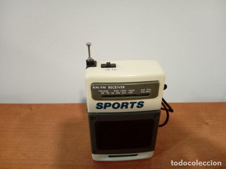Radios antiguas: 90-Radio transistor de mano SPORTS - Foto 5 - 105804651