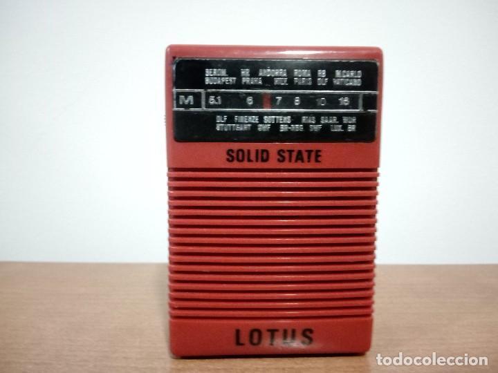 138-RADIO TRANSISTOR DE MANO LOTUS (Radios, Gramófonos, Grabadoras y Otros - Transistores, Pick-ups y Otros)