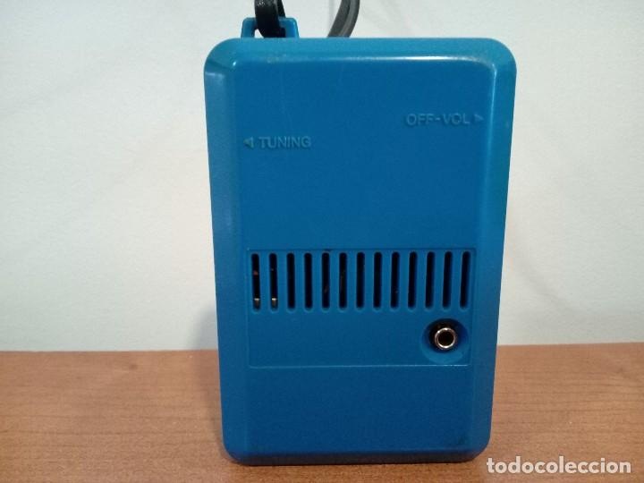 Radios antiguas: Radio transistor de mano Sharp - Foto 3 - 106685083