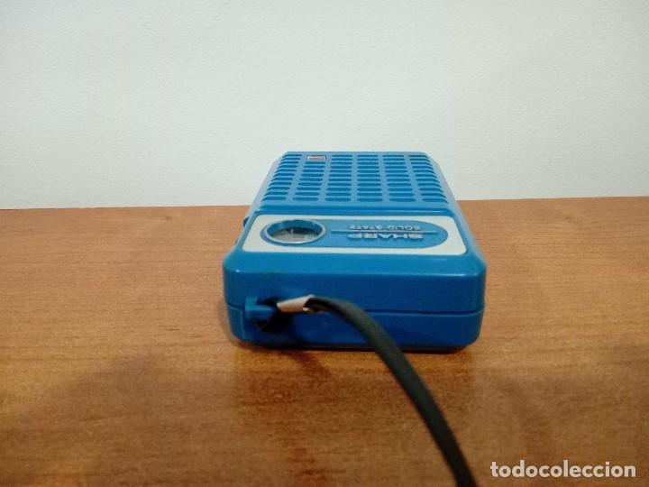 Radios antiguas: Radio transistor de mano Sharp - Foto 6 - 106685083
