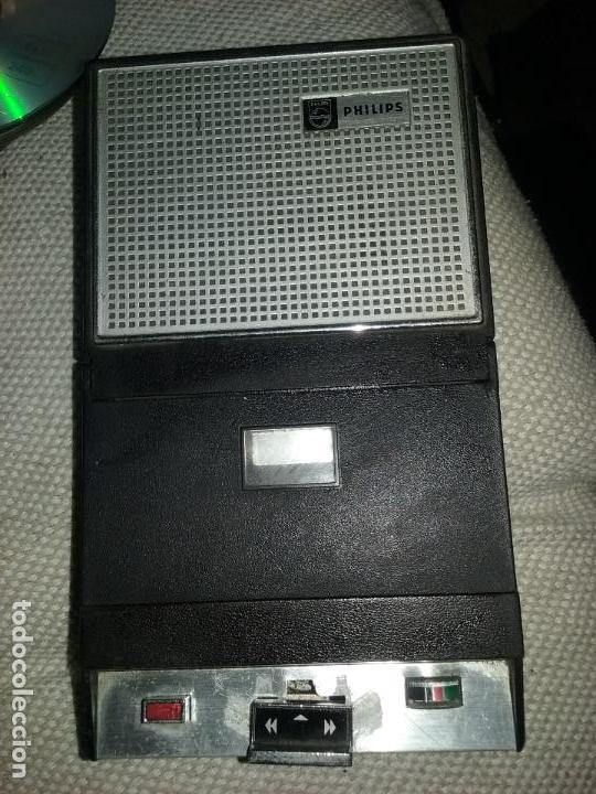 ANTIGUA GRABADORA REPRODUCTORA DE CASSETTES PHILIPS. (Radios, Gramófonos, Grabadoras y Otros - Transistores, Pick-ups y Otros)