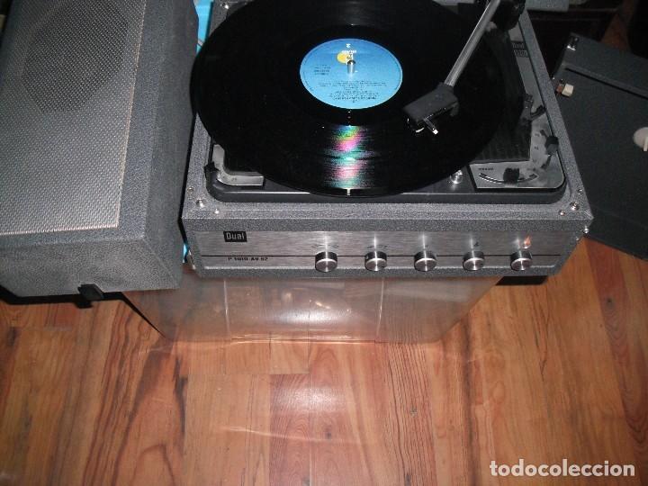 Radios antiguas: Tocadiscos de maleta Dual P1010 AV52 con altavoces funcionando 220 V - - Foto 2 - 107593171