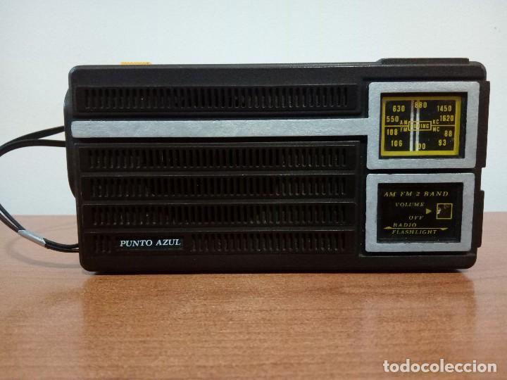 107-RADIO LINTERNA PUNTO AZUL (Radios, Gramófonos, Grabadoras y Otros - Transistores, Pick-ups y Otros)
