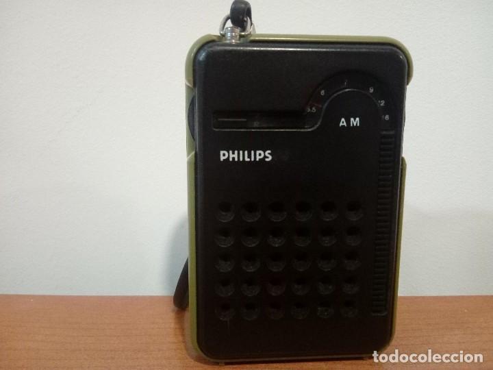 RADIO TRANSISTOR DE MANO PHILIPS RL047 (Radios, Gramófonos, Grabadoras y Otros - Transistores, Pick-ups y Otros)
