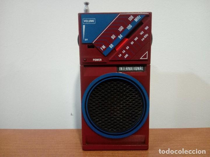 RADIO TRANSISTOR INTERNATIONAL D28H (Radios, Gramófonos, Grabadoras y Otros - Transistores, Pick-ups y Otros)