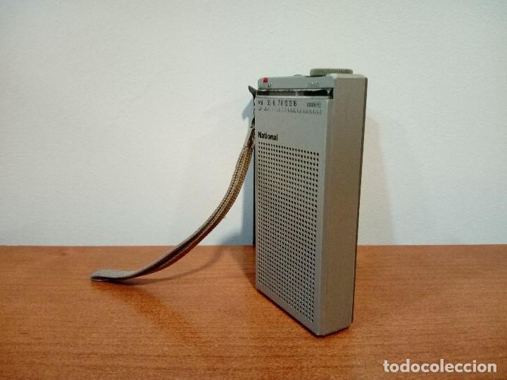 Radios antiguas: Mini radio transistor National R166 - Foto 2 - 108294563