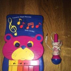 Radios antiguas: RADIO CASSETTE INFANTIL CON MICRÓFONO VITATONE FUNCIONA. Lote 109048374