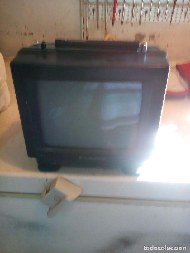 Radios antiguas: televisor portatil de 12v, nuevo - Foto 3 - 109114811