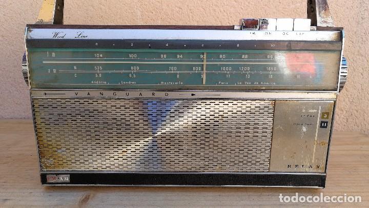Radios antiguas: RADIO TRANSISTOR MARCA VANGUARD MODELO RELAY NO FUNCIONA, NECESITA LIMPIEZA - Foto 3 - 110043571
