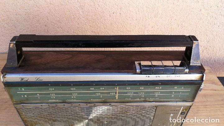 Radios antiguas: RADIO TRANSISTOR MARCA VANGUARD MODELO RELAY NO FUNCIONA, NECESITA LIMPIEZA - Foto 4 - 110043571