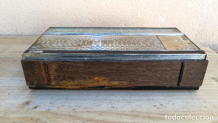 Radios antiguas: RADIO TRANSISTOR MARCA VANGUARD MODELO RELAY NO FUNCIONA, NECESITA LIMPIEZA - Foto 10 - 110043571