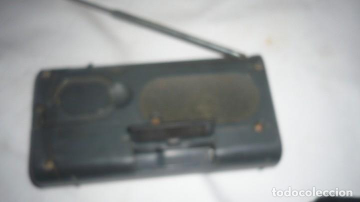 Radios antiguas: RADIO SONY 3 BANDAS ICF-403F (PARA REPARAR) - Foto 3 - 110265359