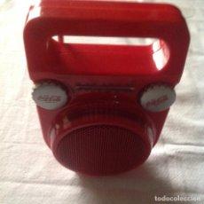Radios antiguas: RADIO TRANSISTOR COCA COLA FM Y AM FUNCIONANDO. Lote 111289215