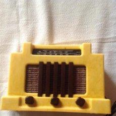 Radios antiguas: RADIO MINIATURA COLECCIÓN ANTAÑO ADDISON 5 F CANADA 1940. Lote 111614023