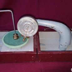 Radios antiguas: TOCADISCOS MANUAL. Lote 111772446