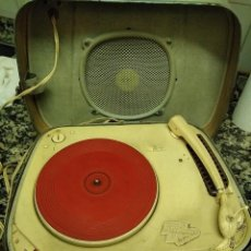 Radios antiguas: TOCADISCOS TEPPAZ LYON OSCAR LA FUNDA ES EL ALTAVOZ, . Lote 112307735