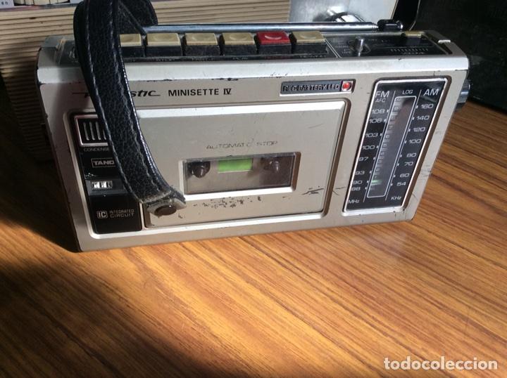 Radios antiguas: TRES RADIOS-DOS CON CASSETTE GRABADOR-ANTIGUAS. - Foto 12 - 112323738