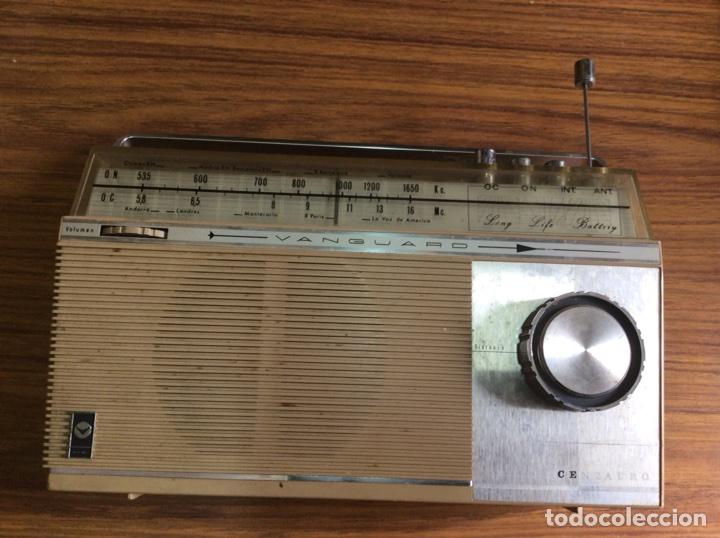 Radios antiguas: TRES RADIOS-DOS CON CASSETTE GRABADOR-ANTIGUAS. - Foto 2 - 112323738