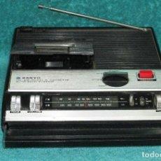 Radios antiguas: RADIO TRANSISTOR CON A. M. F.M. Y CASSETTE SANYO MODELO M2410 F Z .. Lote 113101863