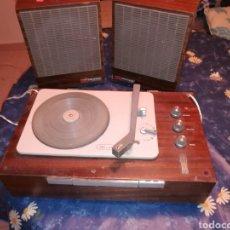 Radios antiguas: TOCADISCOS KOLSTER 1800.. Lote 113435950
