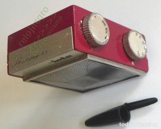 Radios antiguas: RADIO INTER SLIMTRANSCOLOR - COLOR BURDEOS - ANTIGUA - VINTAGE RETRO - PEQUEÑA MÁQUINA - ESPAÑA - Foto 3 - 113501511