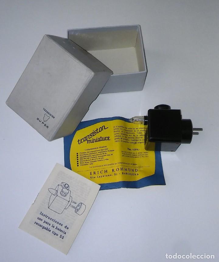 Radios antiguas: Único antiguo transistor super cargador audífono (baquelita), caja original instrucciones, 1950-1960 - Foto 5 - 114444519
