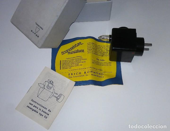 Radios antiguas: Único antiguo transistor super cargador audífono (baquelita), caja original instrucciones, 1950-1960 - Foto 7 - 114444519