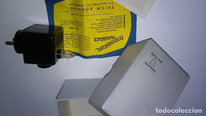 Radios antiguas: Único antiguo transistor super cargador audífono (baquelita), caja original instrucciones, 1950-1960 - Foto 8 - 114444519