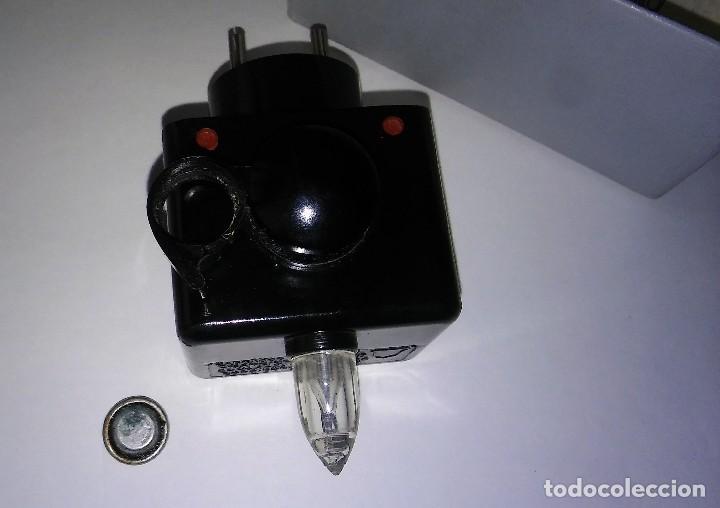 Radios antiguas: Único antiguo transistor super cargador audífono (baquelita), caja original instrucciones, 1950-1960 - Foto 13 - 114444519