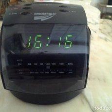 Radios antiguas: RADIO -DESPERTADOR RELOJ DIGITAL CON CABLE LUZ Y PILA. Lote 114809615