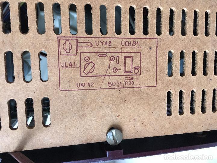 Radios antiguas: RADIOLA TOCADISCOS CON RADIO. RADIO FUNCIONA A 220V - Foto 22 - 114900287