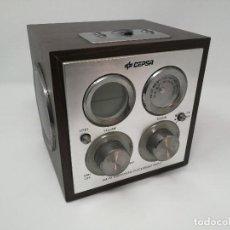 Radios antiguas: RADIO PUBLICIDAD CEPSA EN MADERA. FUNCIONANDO . Lote 116181515