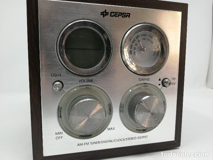 Radios antiguas: Radio publicidad Cepsa en madera. Funcionando - Foto 2 - 116181515