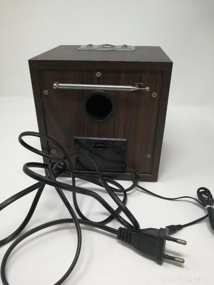 Radios antiguas: Radio publicidad Cepsa en madera. Funcionando - Foto 4 - 116181515