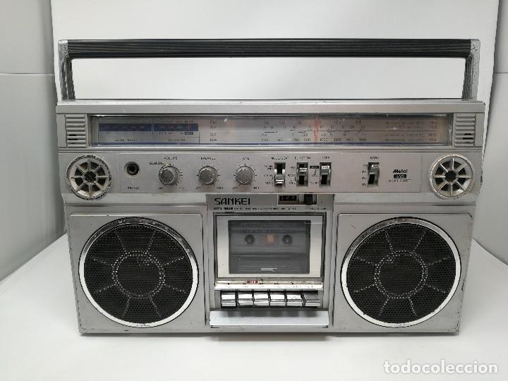 ANTIGUA RADIO CASSETTE SANKEI TCR-S81 MULTIBANDAS MADE IN JAPAN (Radios, Gramófonos, Grabadoras y Otros - Transistores, Pick-ups y Otros)