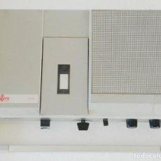 Radios antiguas: !! UNICO ¡¡ COSMO K 8200 COMPACT CASSETTE PORTATIL - PILAS Y RED - FUNCIONA. Lote 117162663