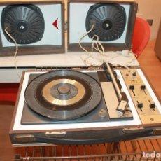 Radios antiguas: ANTIGUO TOCADISCOS COSMO B3810. DOS AGUJAS DE REPUESTO. FUNCIONA. NECESITA LIMPIEZA. INFO Y 14 FOTOS. Lote 118527203