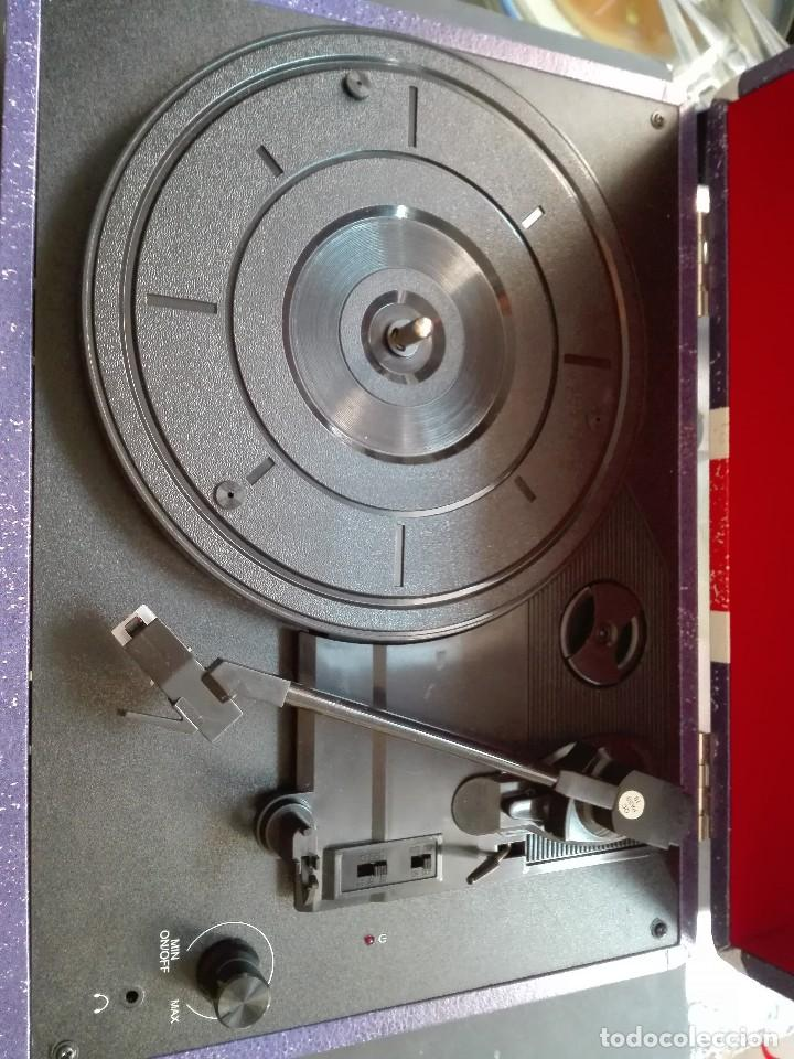 Radios antiguas: Radio cassette de los años 60 - Foto 2 - 119173127