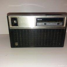 Radios antiguas: RADIO TRANSISTOR PHILIPS PORTATIL AÑOS 70. Lote 119407730