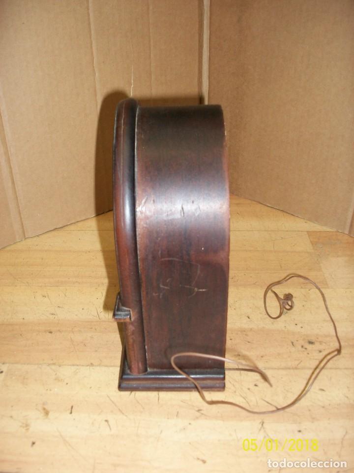 Radios antiguas: RADIO A PILAS-FUNCIONA - Foto 2 - 119520411