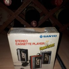 Radios antiguas: WALKMAN STEREO CASSETTE PLAYER SANYO SPORTSTER MGP 9 EN CAJA. Lote 120831602