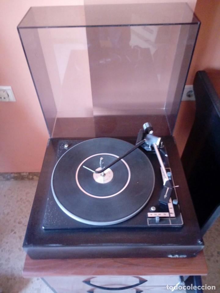 Radios antiguas: Tocadiscos de madera . Inter modelo 338. Año 1969 - Foto 2 - 120833191